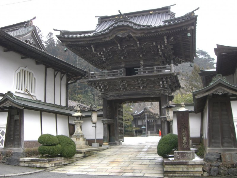 Koyasan 2-Day Tour (With Guide on Day 1)【Fukuchi-in】