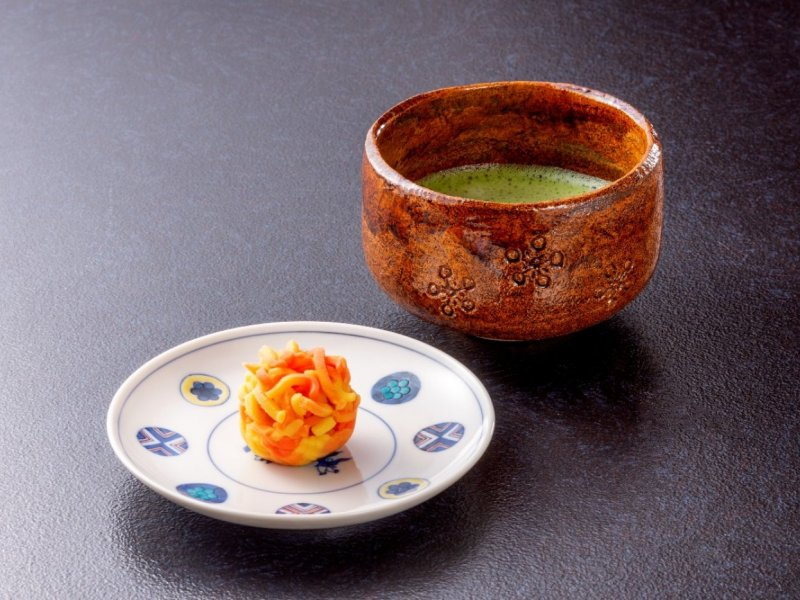 Meet Wagashi in Kanazawa with round-trip tickets from Tokyo